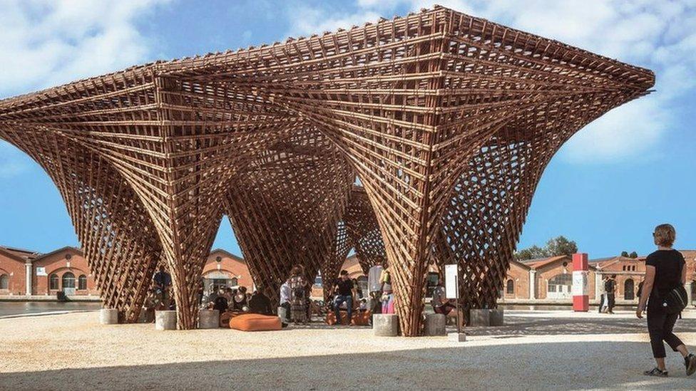 Мечеть без мінарету, бамбуковий сталактит та інші претенденти на архітектурний