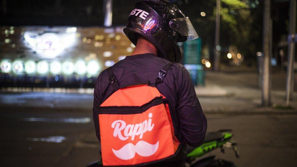 Repartidor con mochila