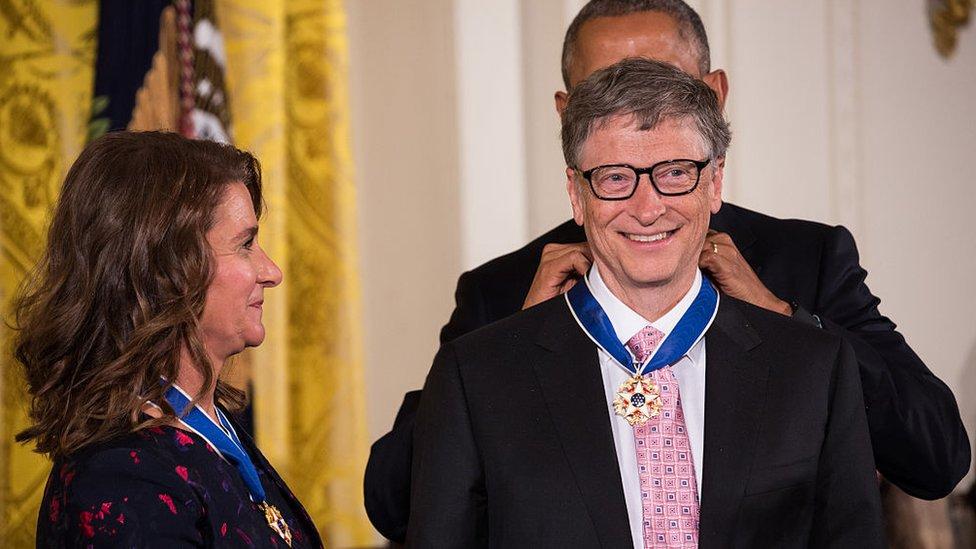 2016年,時任美國總統巴拉克·奧巴馬(Barack Obama)授予兩人總統自由勳章。