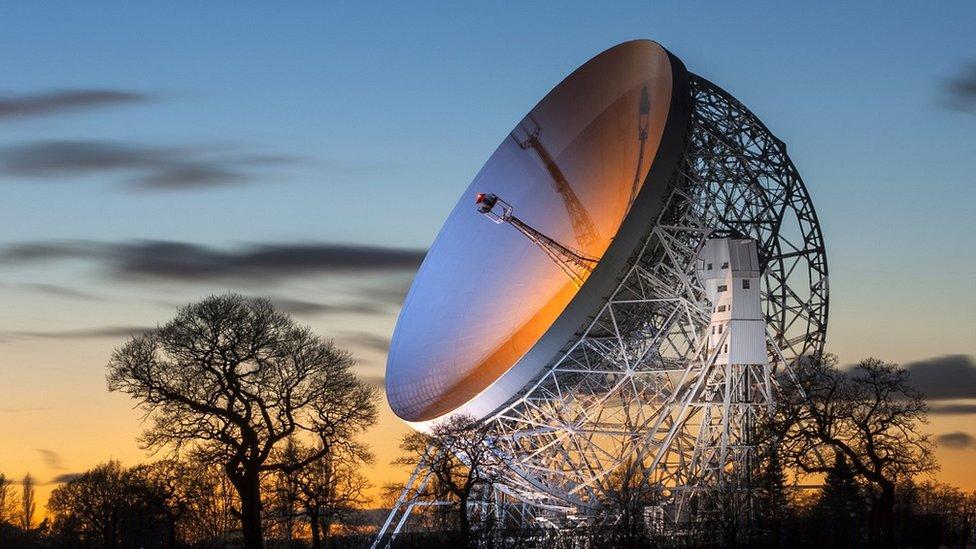 洛弗爾天文望遠鏡1945年醞釀,1957年落成