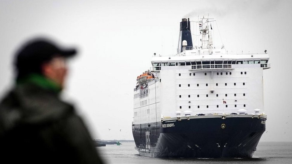 Barco que llega de Reino Unido
