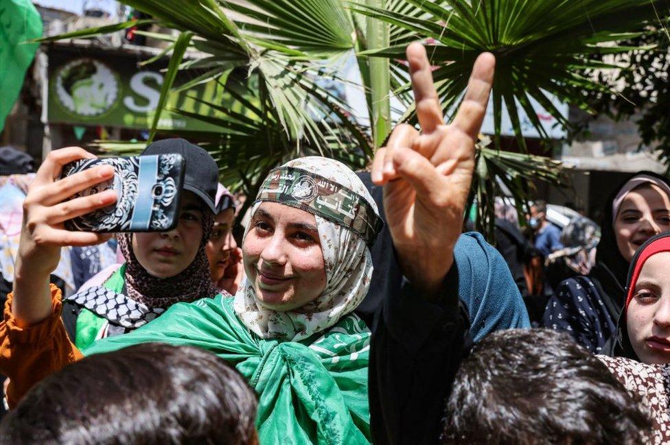 Hamas destekçileri, ateşkesin ardından kutlamalar yaptı.