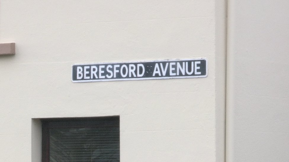 Beresford Avenue street sign