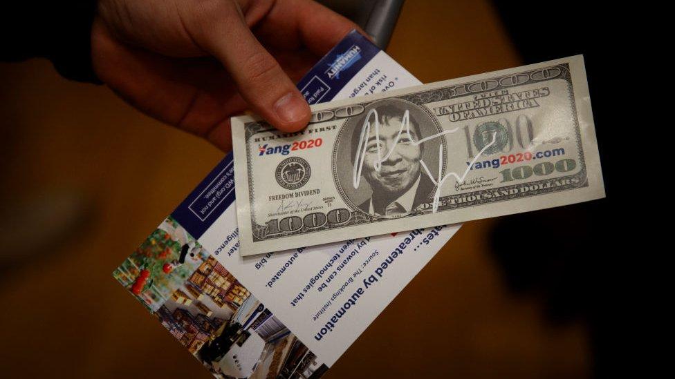 Andrew Yang en un billete de 1.000 dólares.