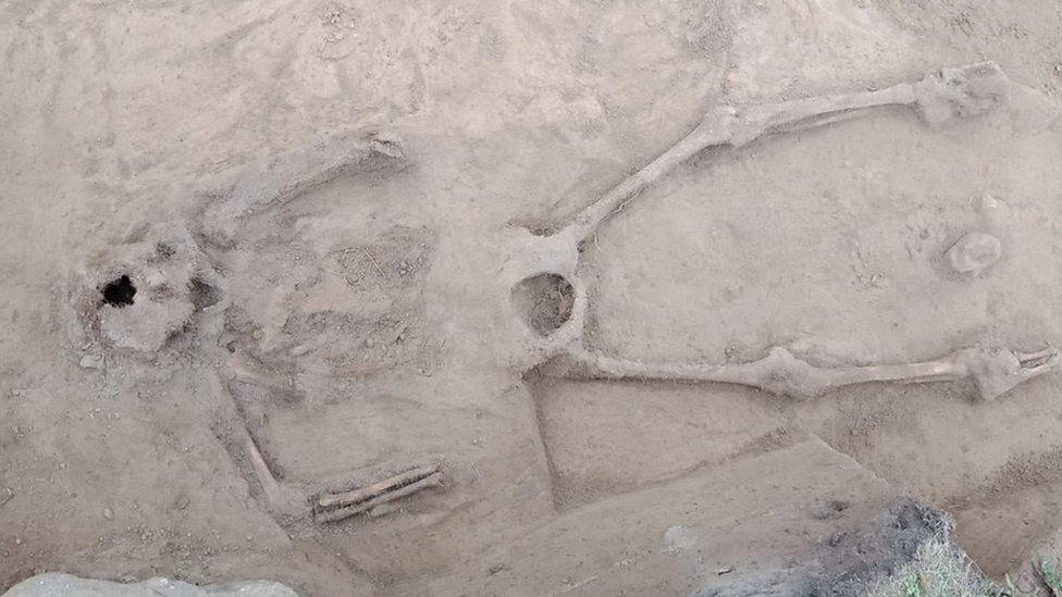 Toe bone leads to 600-year-old burial site