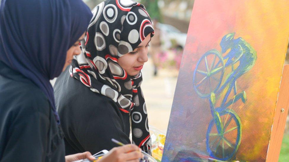الباحثون عن عمل يستغيثون في سلطنة عمان