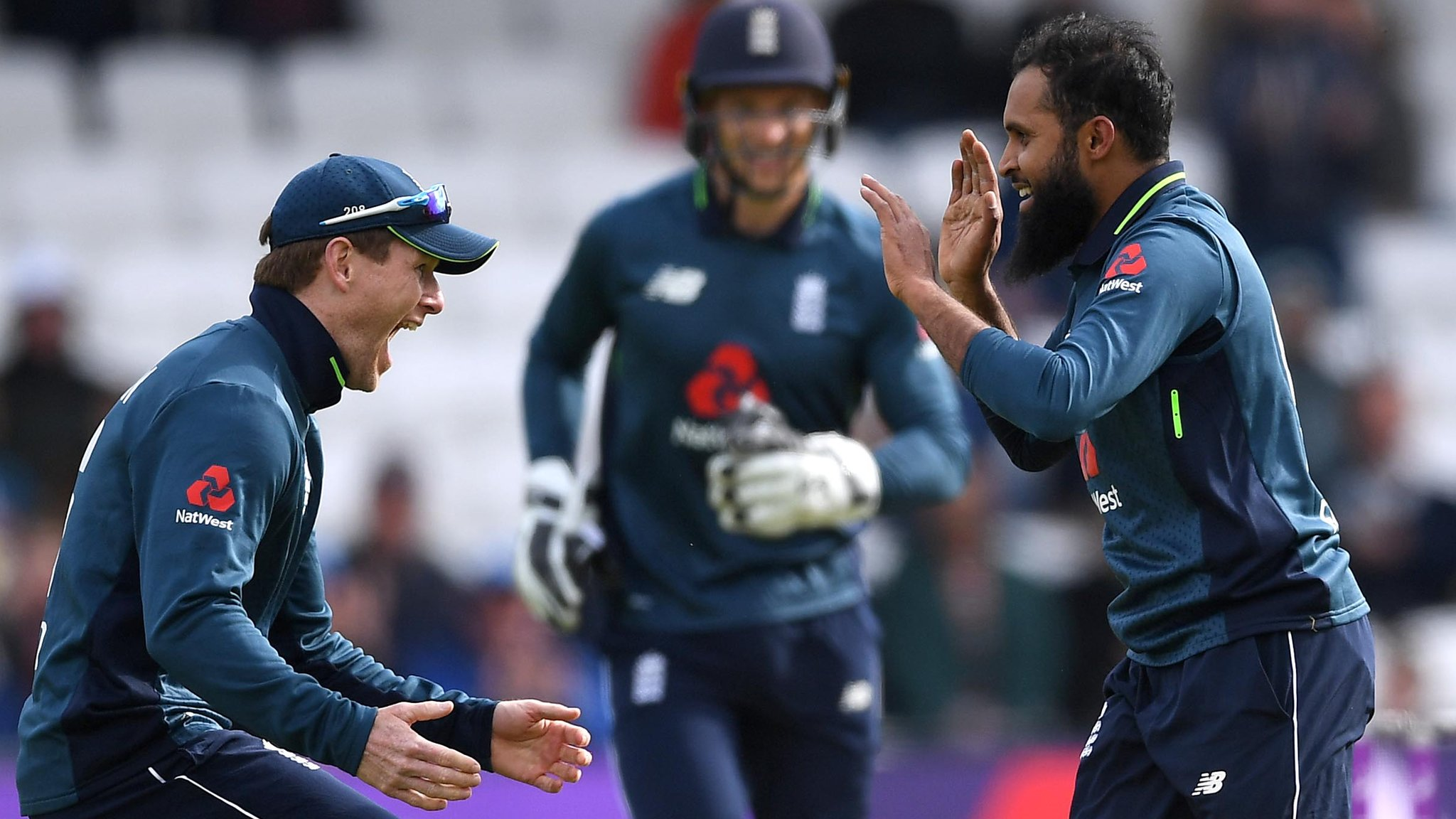 England v Pakistan: Chris Woakes takes five wickets as hosts seal 4-0 series win