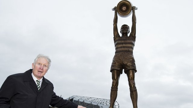 Celtic unveil Billy McNeill statue