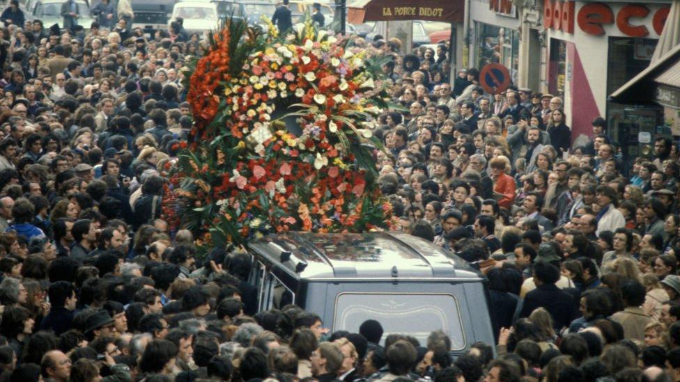 NO USAR. BBC. Funeral de Jean Paul Sartre en París