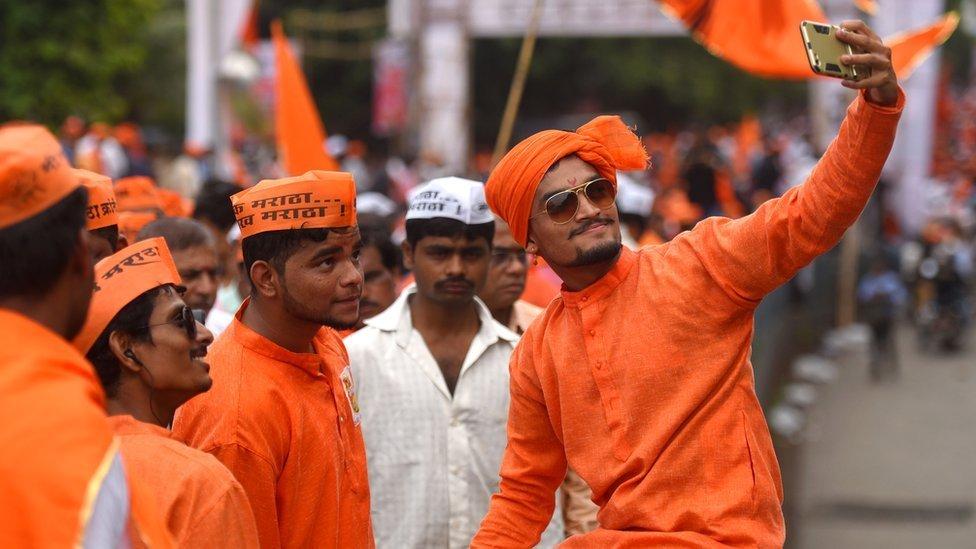 महाराष्ट्र विधानसभा चुनाव: बेरोज़गार मराठा युवाओं को आरक्षण से वाक़ई फ़ायदा हुआ है?