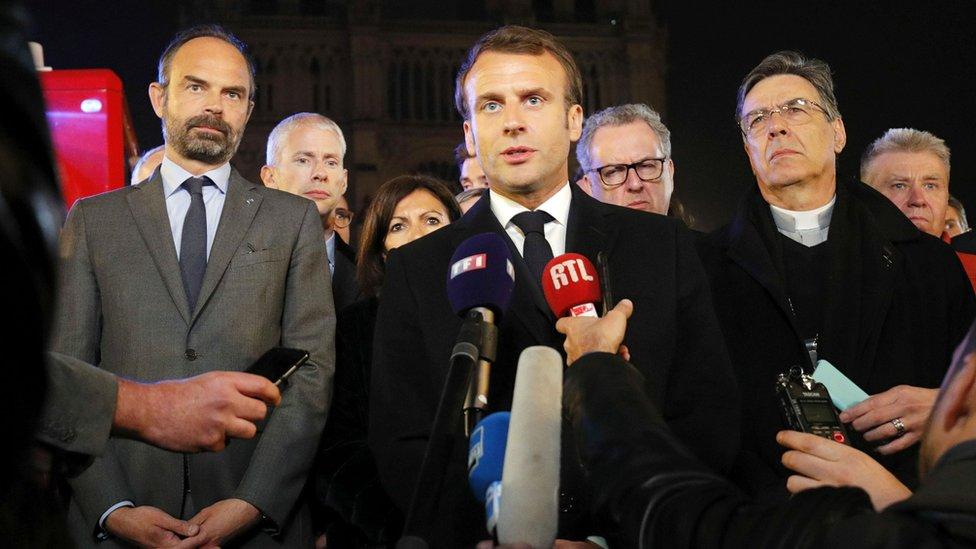 Macron frente a Notre Dame
