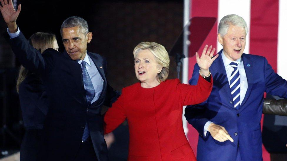 Bivši predsednik Barak Obama, Hilari Klinton i bivši predsednik Bil Klinton