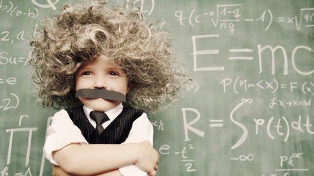 假扮成愛因斯坦的小孩