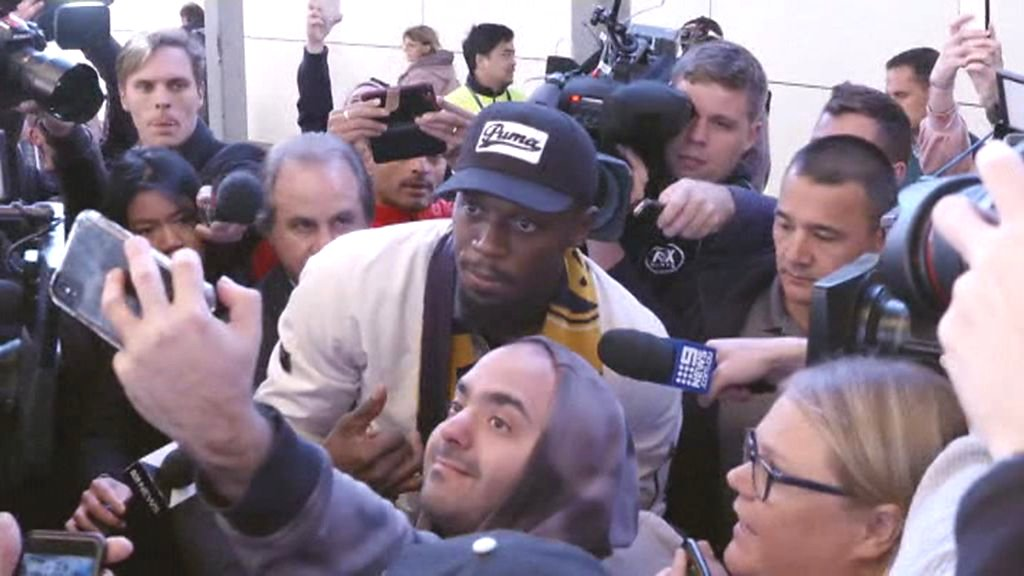 Usain Bolt greeted by fans at Sydney airport: Welcome to Australia Usain!