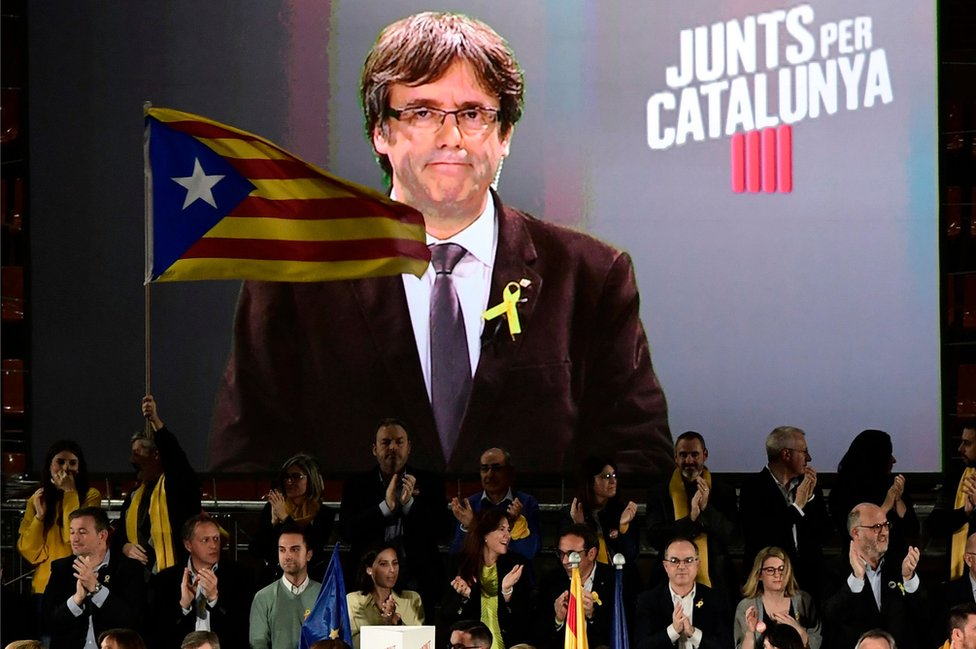 JxCat rally addressed by Carles Puigdemont via videolink, 15 Dec 17
