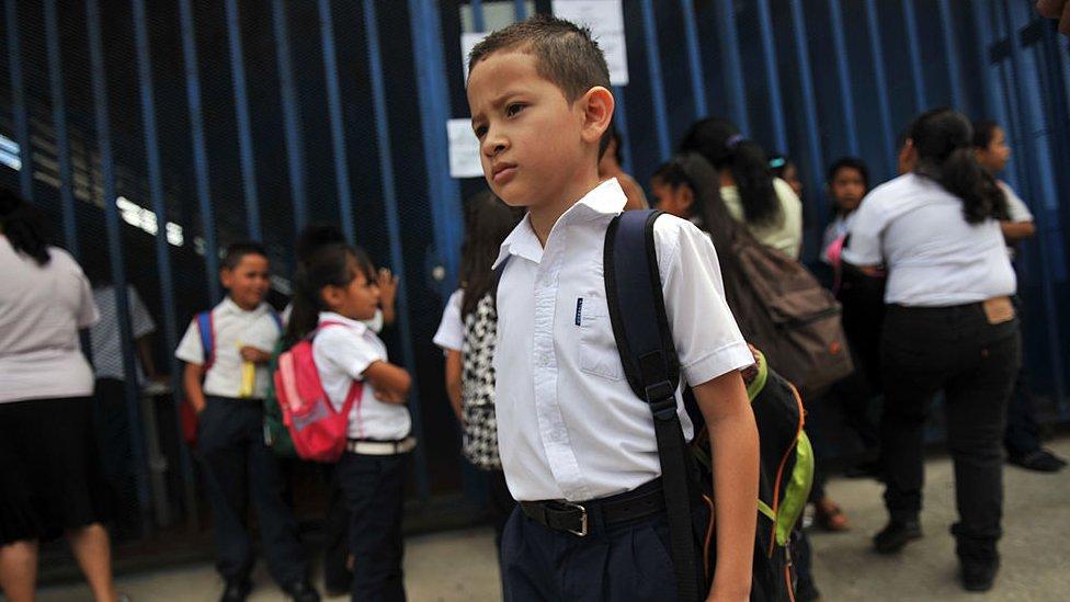 Escolares costarricenses