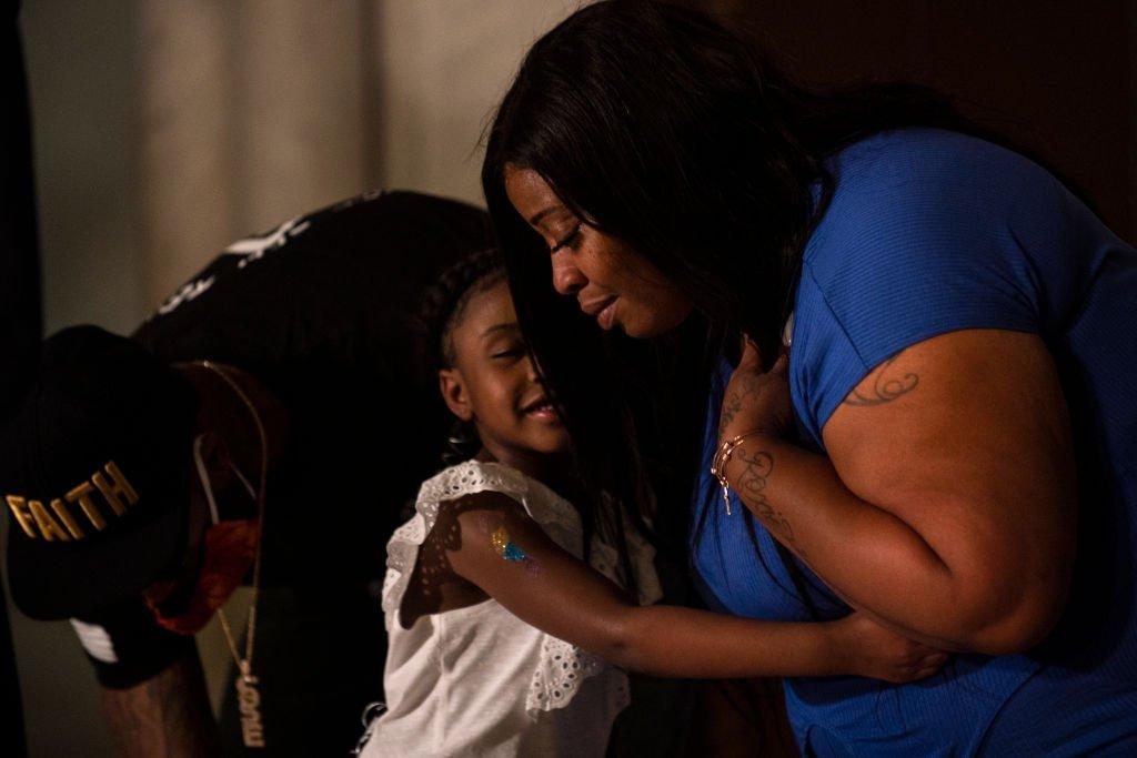 George Floyd'un 6 yaşındaki kızı Gianna Floyd ve annesi Roxie Washington