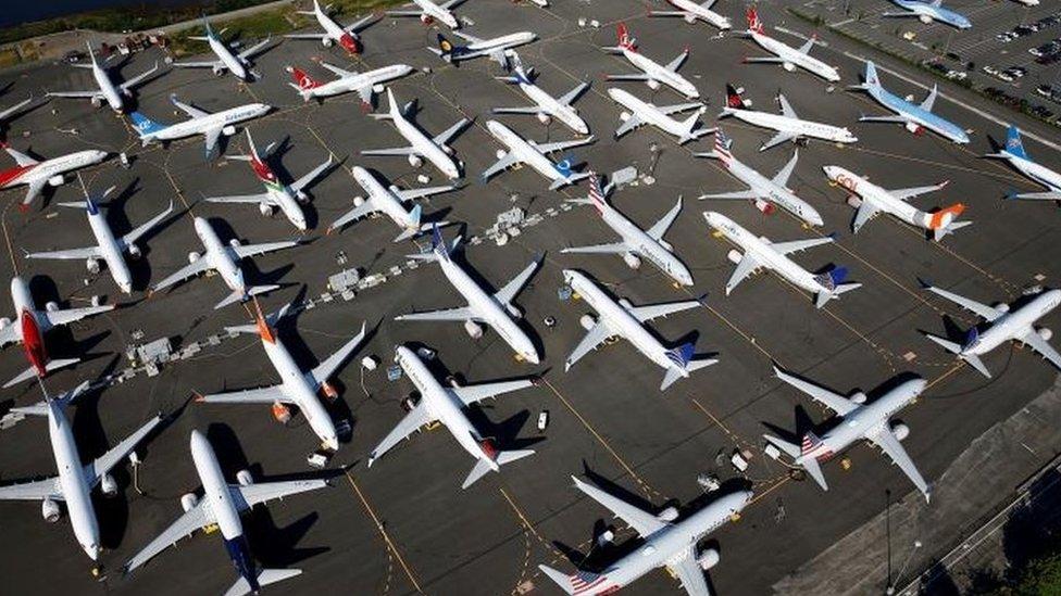 طائرات بوينغ 737 ماكس بعد ايقافها عن العمل
