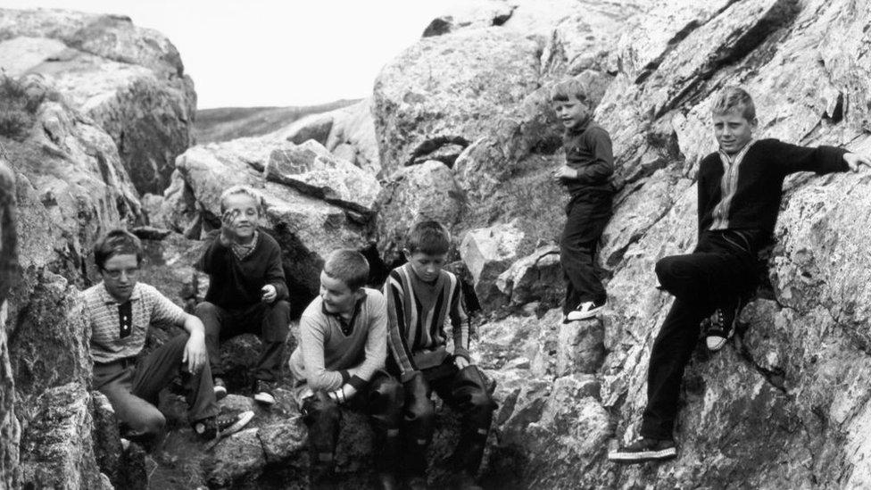 Niños de la isla Fogo, Terranova, en una foto de 1967 hecha para un documental producido por el gobierno de Canadá