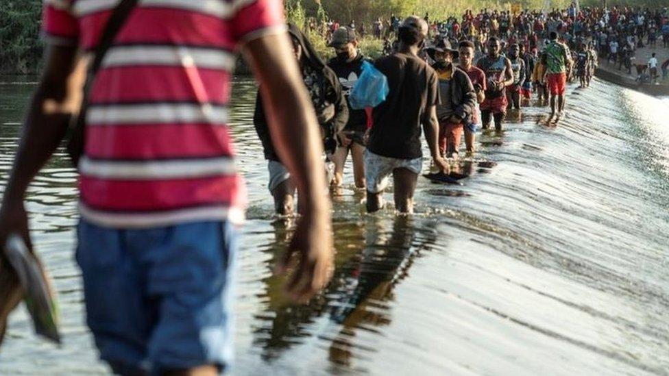 migrantes el Del Río