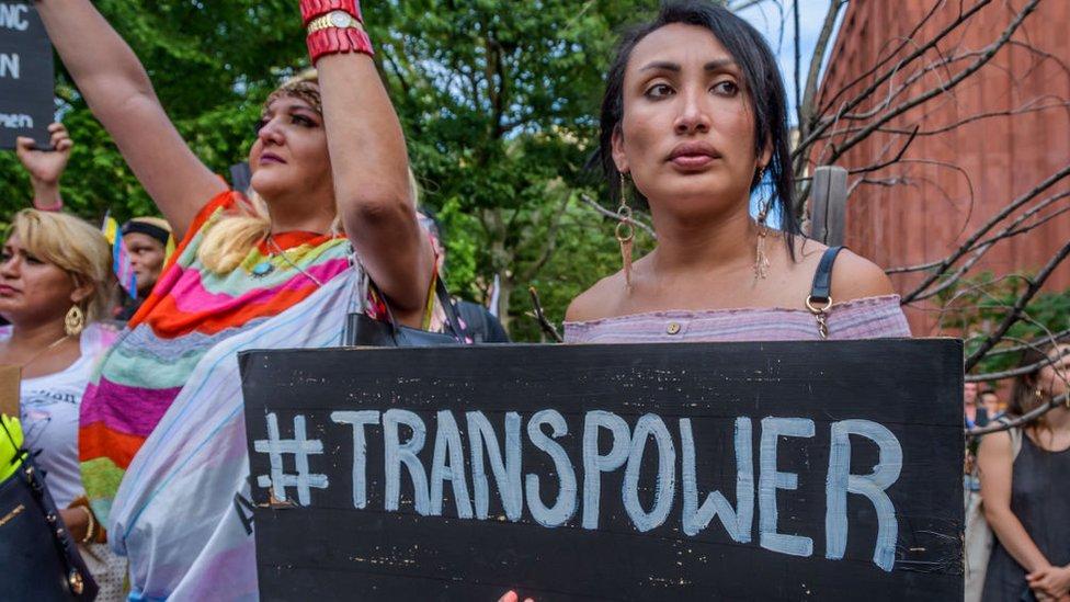 Manifestación en defensa de las personas transgénero