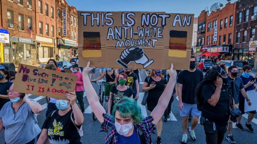 Una protesta contra el racismo en EE.UU.