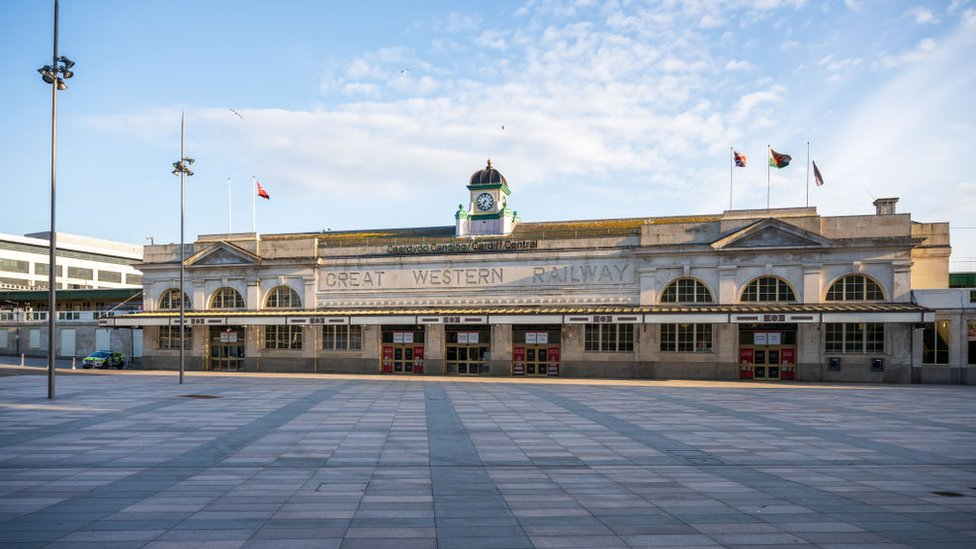 Cardiff Central station in lockdown