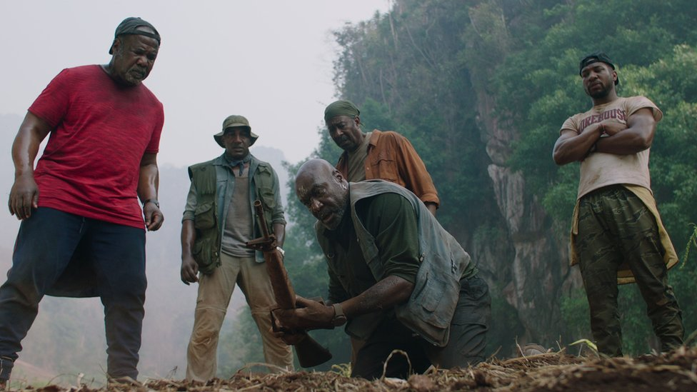 Isiah Whitlock Jr, Norm Lewis, Delroy Lindo, Clarke Peters and Jonathan Majors in Da 5 Bloods