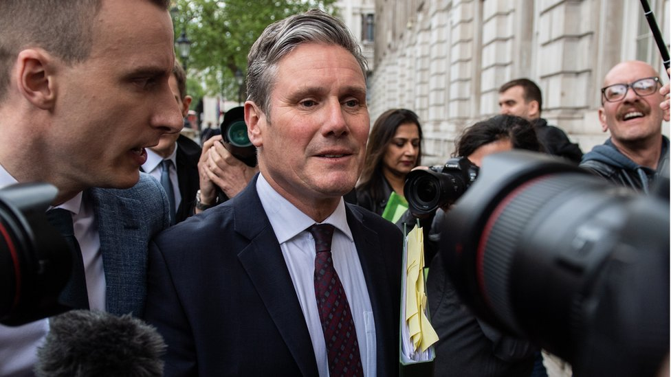 "Labour""s Brexit spokesman Keir Starmer arrives at the Cabinet office to attend a Cross party Brexit meeting"