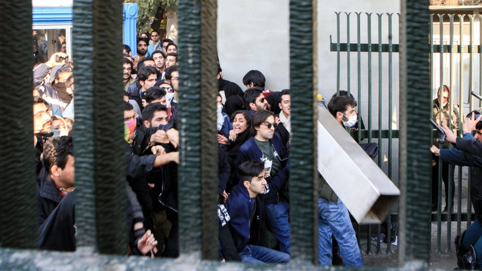Iran, Teheran, unjuk rasa