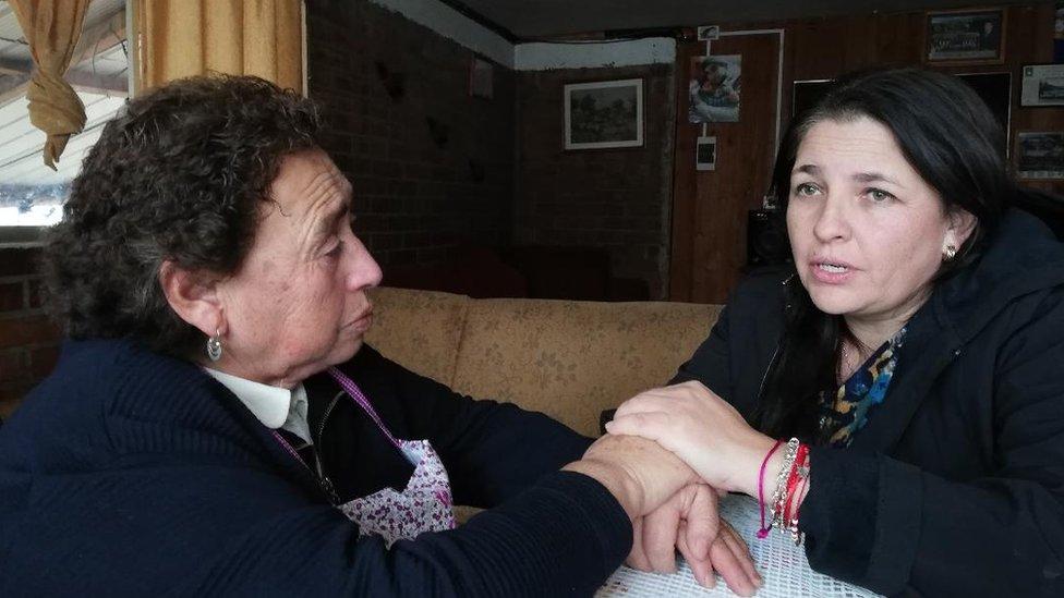 Jeanette Velásquez y Sara
