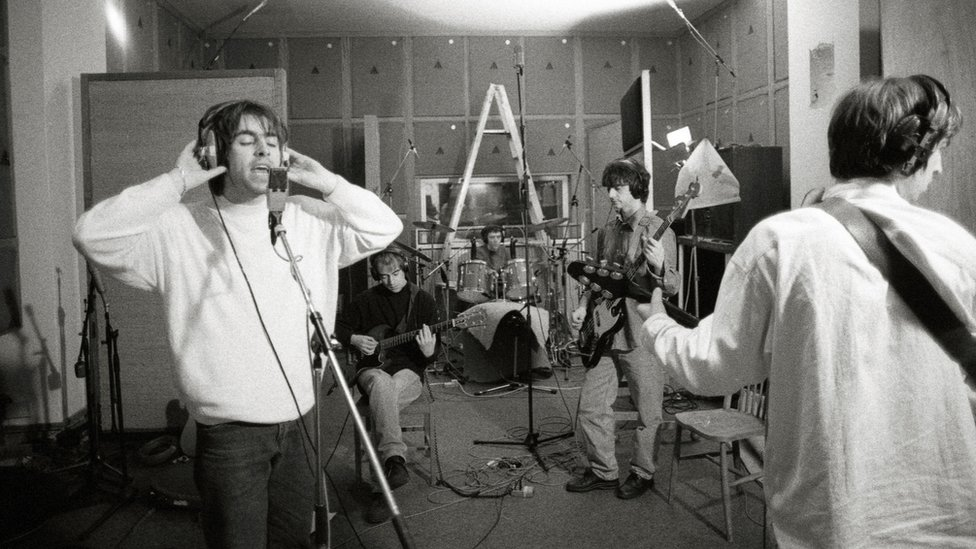 Oasis during rehearsal