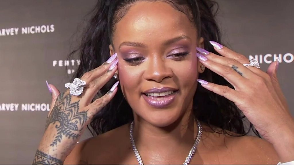 BBC News - Rihanna on diverse make-up: 'It's not rocket science'