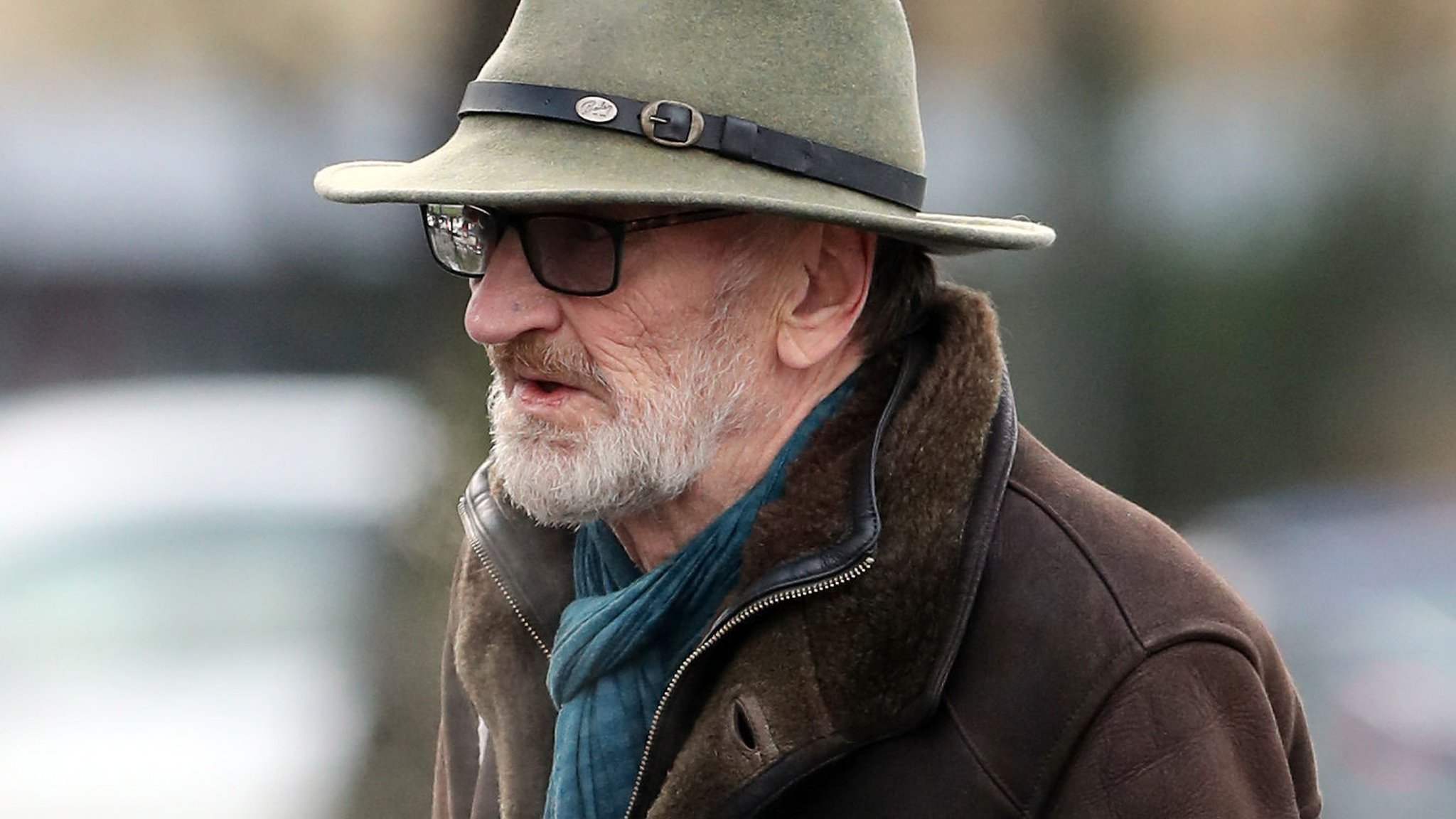 Actor John McEnery cleared of scaring barmaid