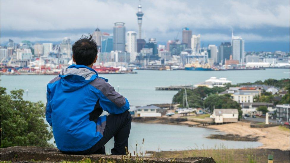 Joven en Auckland, Nueva Zelansa