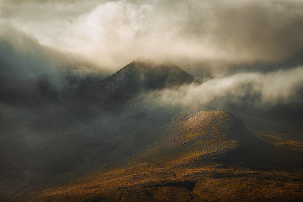 Sophie Scheneeberger, Bulutlarda adlı fotoğrafıyla manzara dalında finale kalmıştı