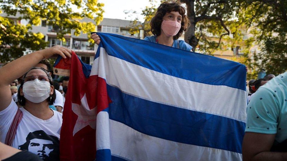 Cubanos durante protestas el pasado mes de noviembre.