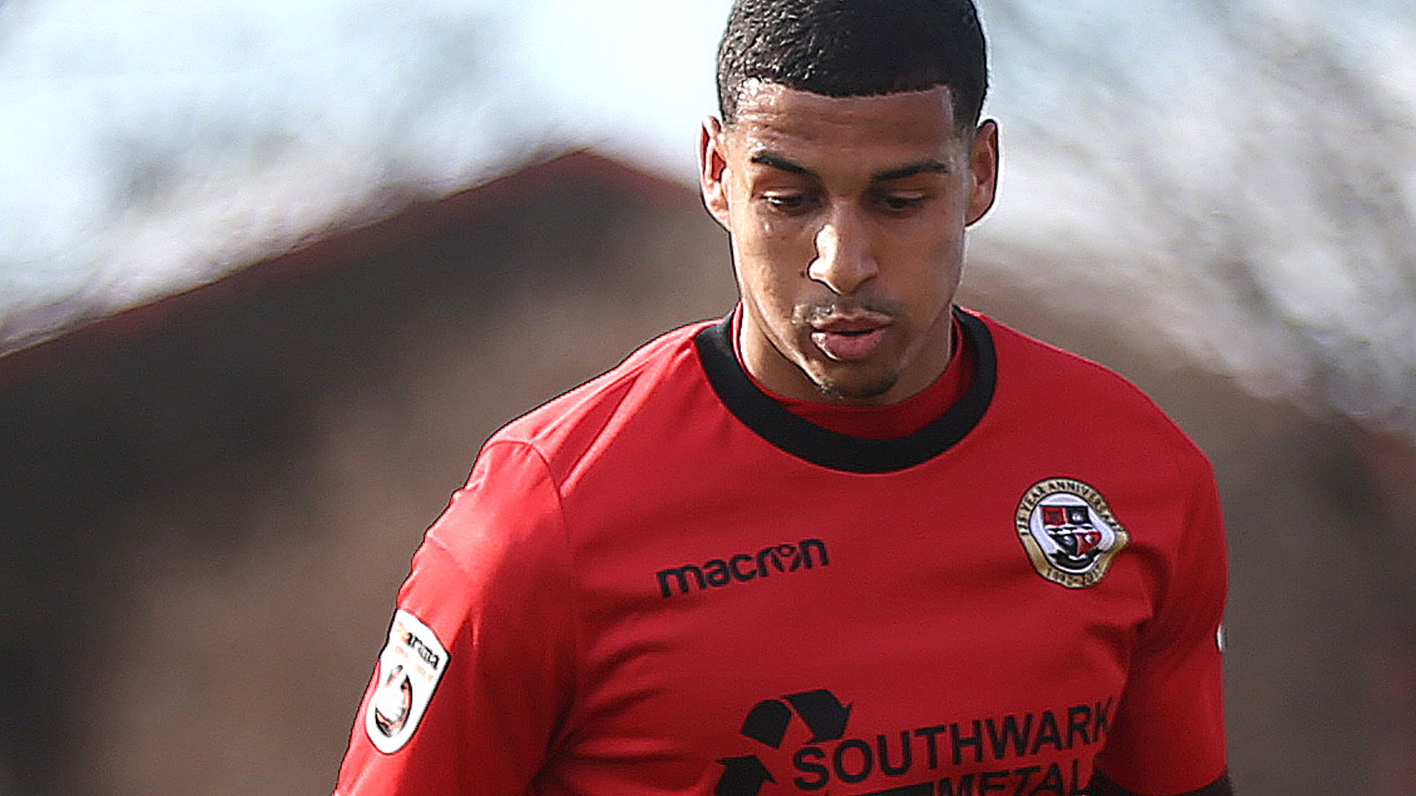 Louis Dennis: Portsmouth sign forward from Bromley