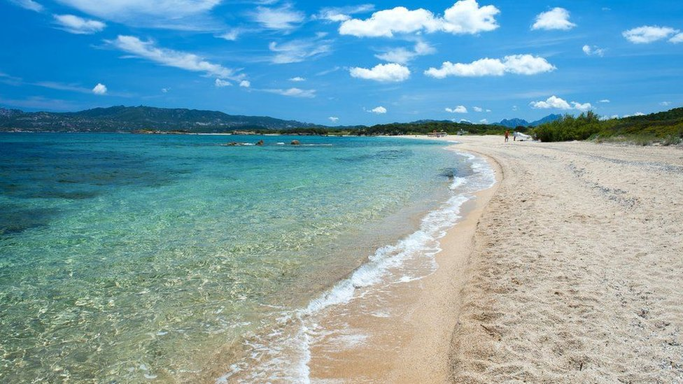 شواطئ سردينيا