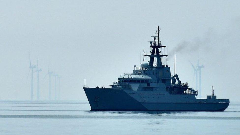 """إتش أم أس سيفيرن"""" هي إحدى سفن الدوريات البحرية التي يتم نشرها في جيرسي"""""""