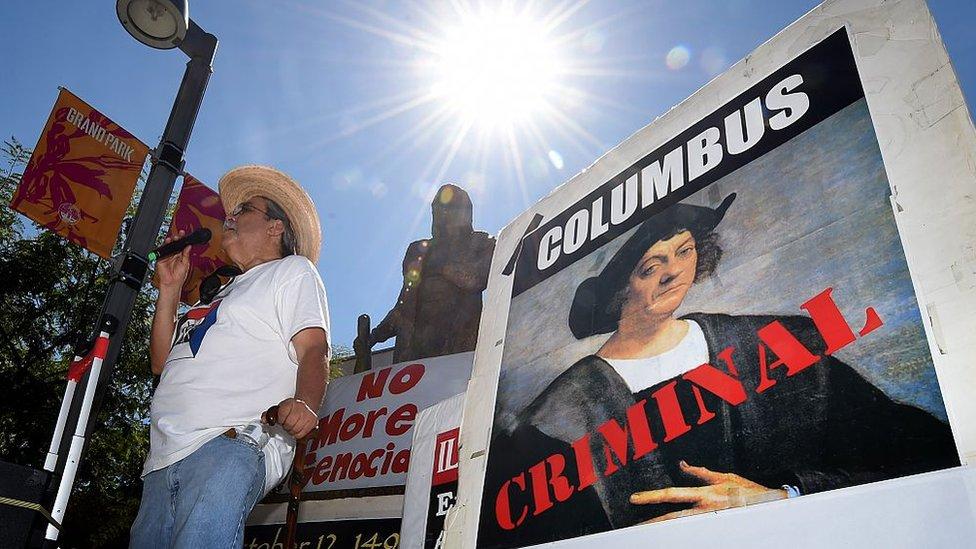 Manifestación en contra del Día de Colón. NO USAR BBC