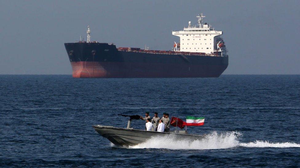 ईरान ने होर्मूज़ की खाड़ी को बंद किया तो क्या होगा