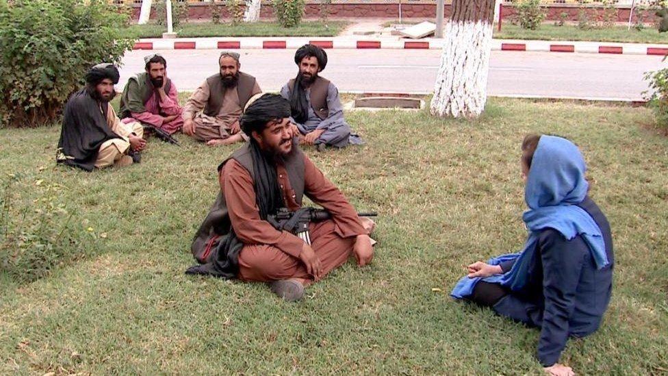"""تقول طالبان: """"كلنا أفغان"""""""