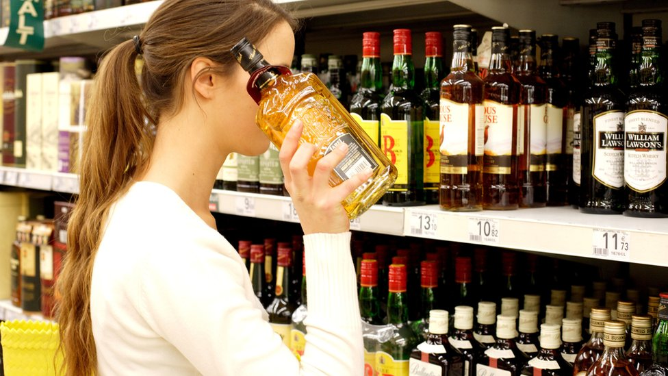 Health advisers call for minimum alcohol unit pricing