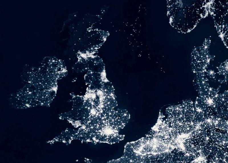 Birleşik Krallık'ta yapılan bir araştırma, en parlak bölgelerin zamanla daha da parlak hale geldiğini gösterdi.