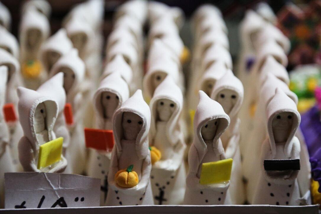 Sugar ghosts sold in Toluca