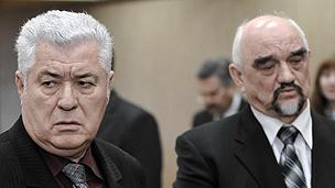 President Voronin (left) and Trans-Dniester leader Igor Smirnov