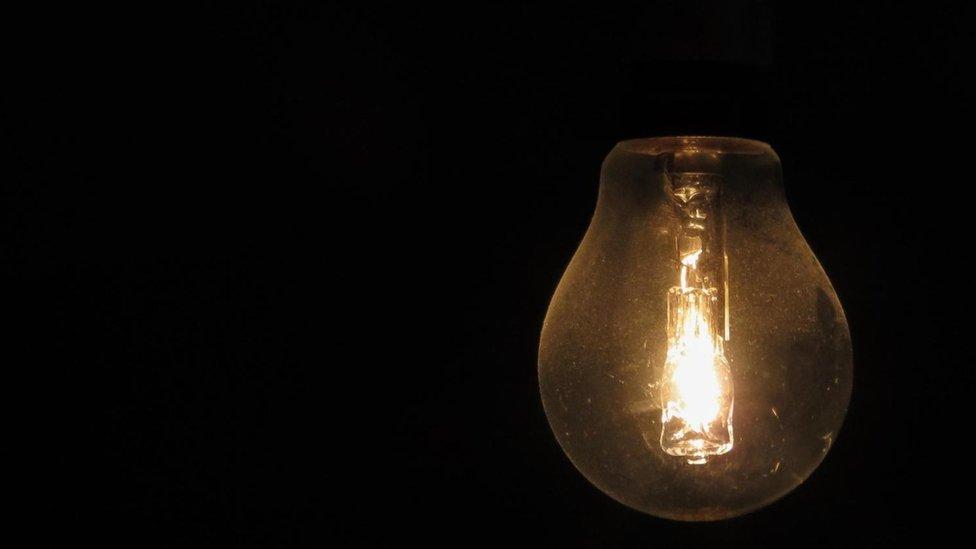 """Durante el ocio, nuestro cerebro puede juntar ideas dispares, lo que nos lleva a los momentos de """"bombilla encendida""""."""