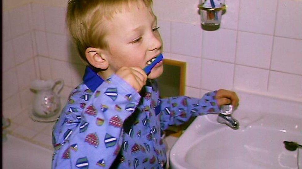 dete, pranje zuba