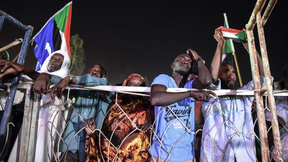 ثوار سودانيون